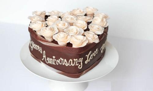 Commandez le gateau d'anniversaire de mariage