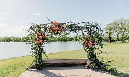 Arc de cérémonie rustique