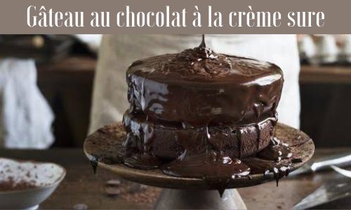 Gâteau au chocolat à la crème sure