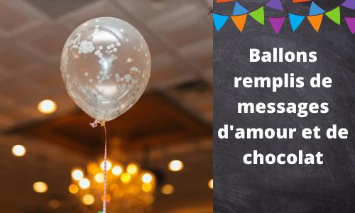 Ballons remplis de massages d'amour et de chocolat